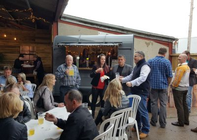 Wurzels Oudoor Bar + Stein